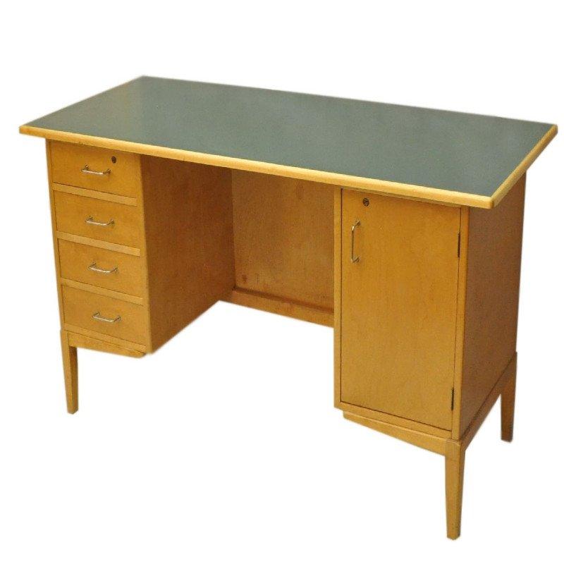 vintage schreibtisch aus holz mit schubladen 1960er bei. Black Bedroom Furniture Sets. Home Design Ideas