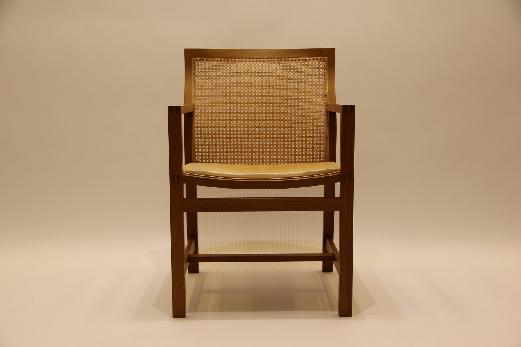 Mid century king series stuhl aus mahagoni leder von thygesen s rensen f r fredericia bei - Mid century stuhl ...