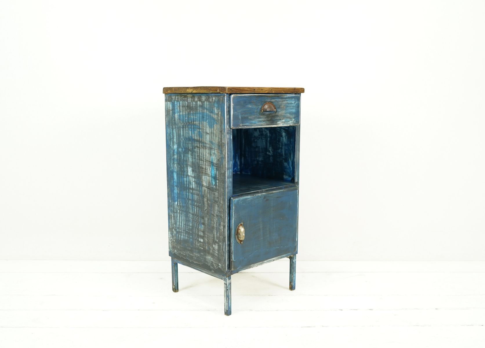 industrieller vintage fabrik schrank aus metall bei pamono. Black Bedroom Furniture Sets. Home Design Ideas