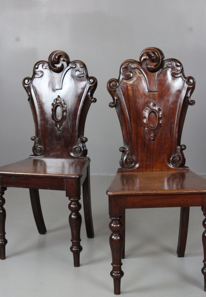 Antique Victorian Hall Chairs, Set of 2 - Antique Victorian Hall Chairs, Set Of 2 For Sale At Pamono