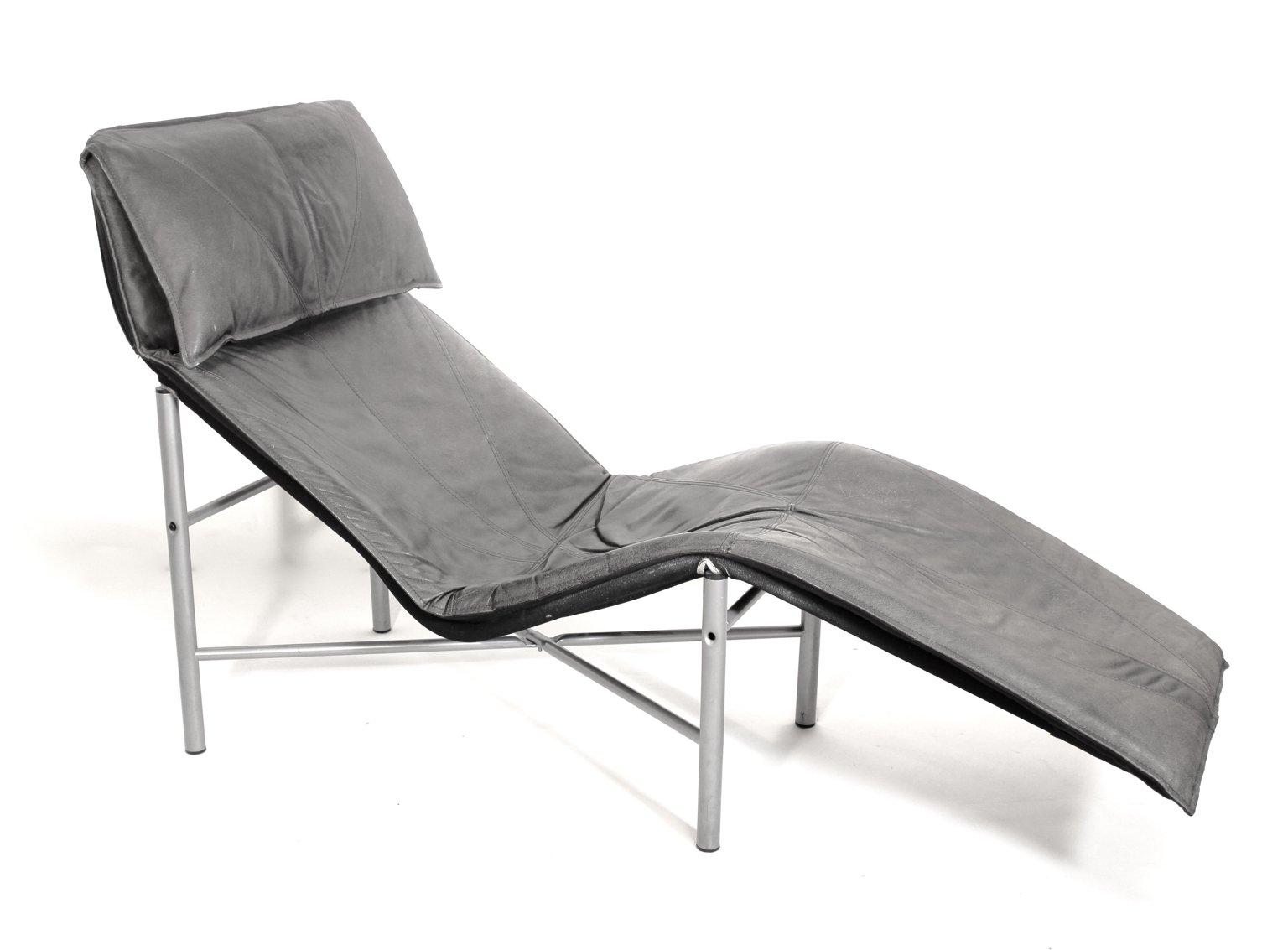 chaise longue en cuir par tord bjorklund 1970s en vente sur pamono. Black Bedroom Furniture Sets. Home Design Ideas