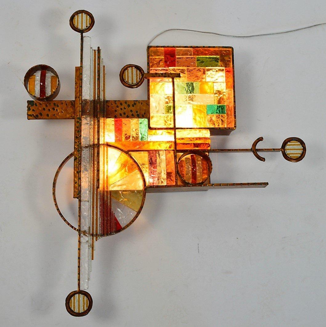 Applique da parete in ferro dorato e vetro colorato di for Applique da parete