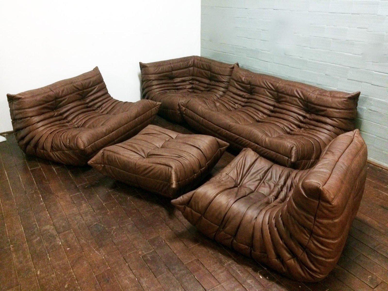 mobilier de salon togo vintage en cuir par michel ducaroy. Black Bedroom Furniture Sets. Home Design Ideas