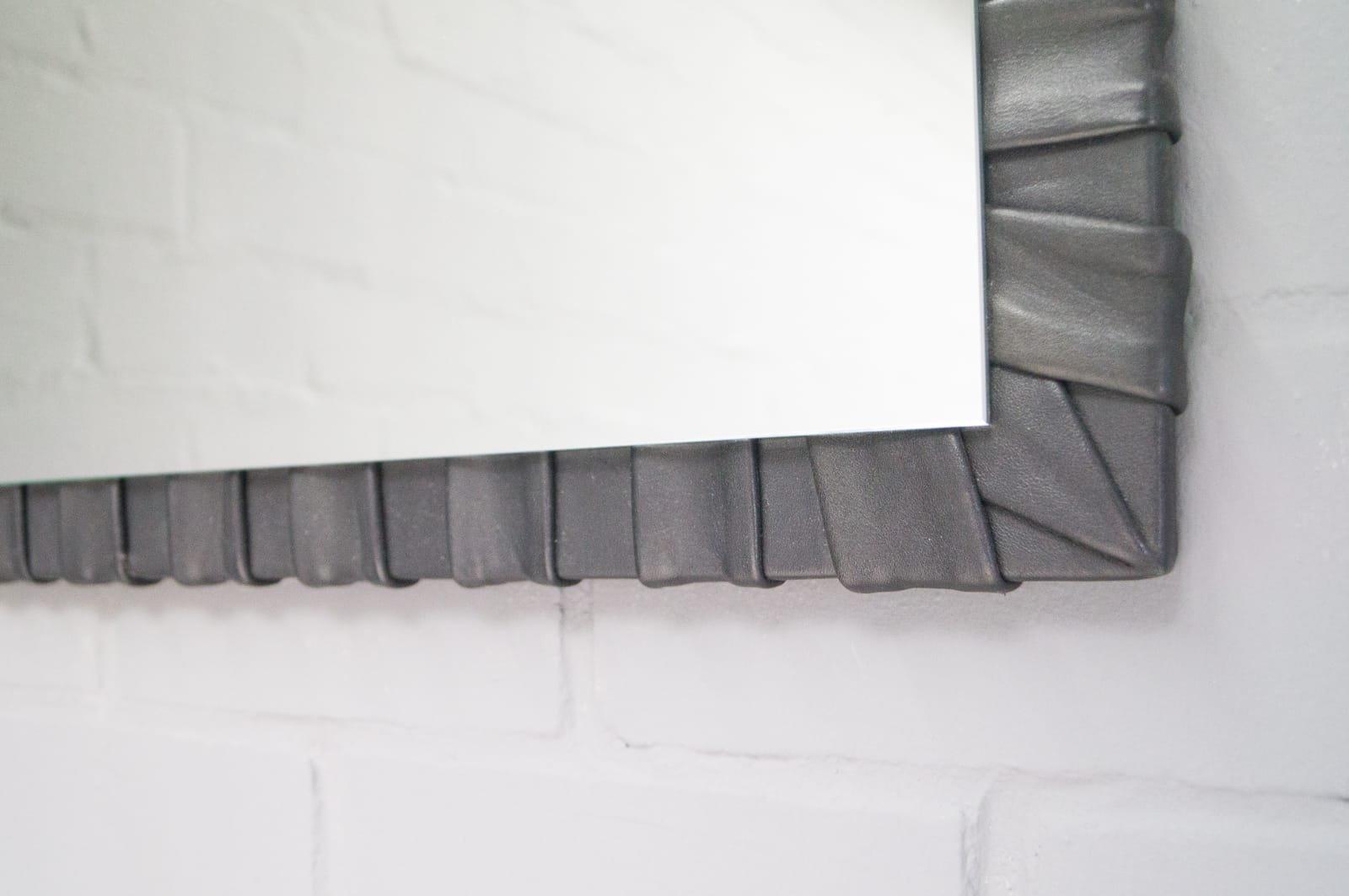 franz sischer viereckiger wandspiegel mit rahmen aus leder 1960er bei pamono kaufen. Black Bedroom Furniture Sets. Home Design Ideas
