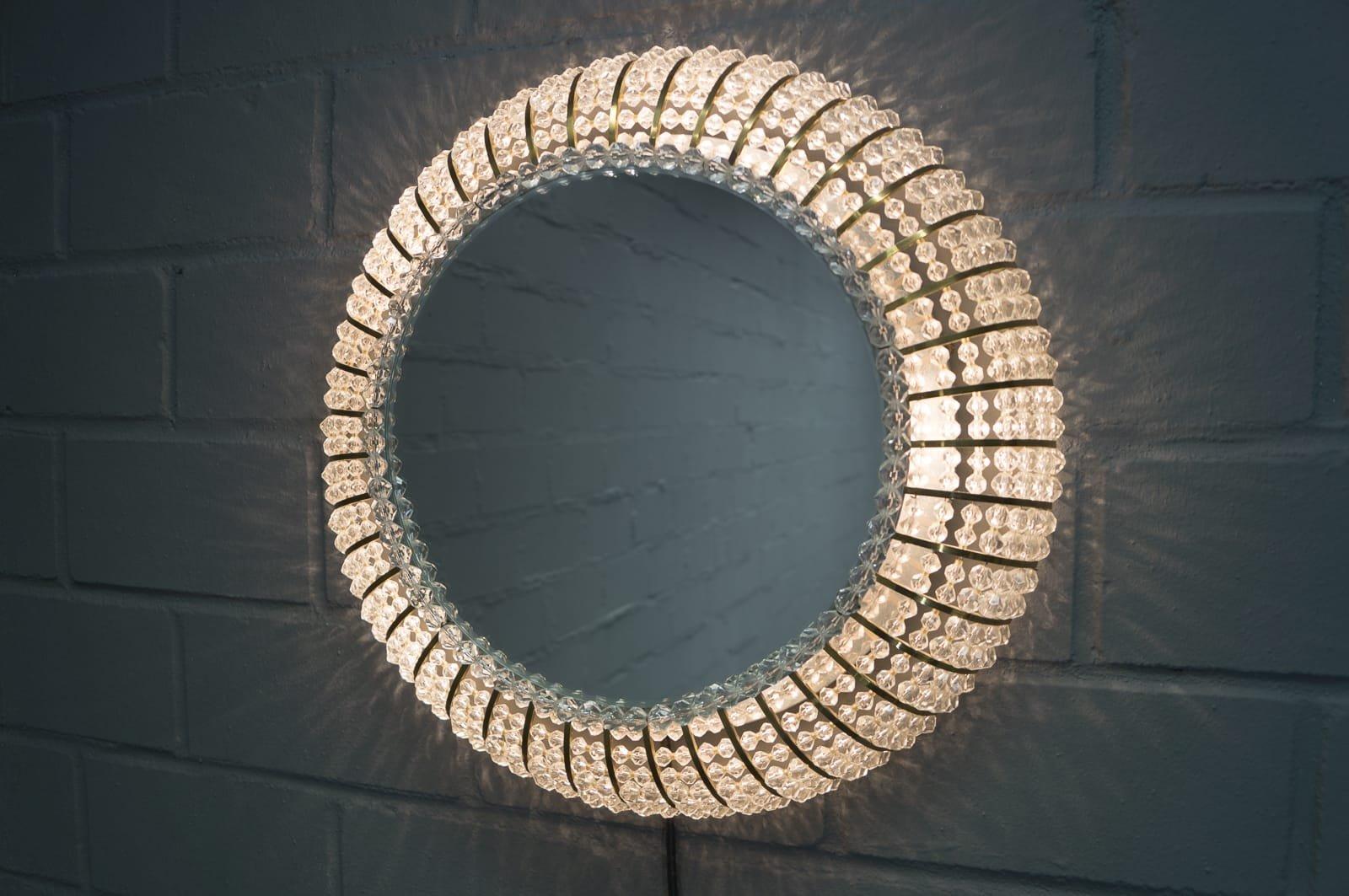 schweizer beleuchteter vintage kristallglas wandspiegel. Black Bedroom Furniture Sets. Home Design Ideas