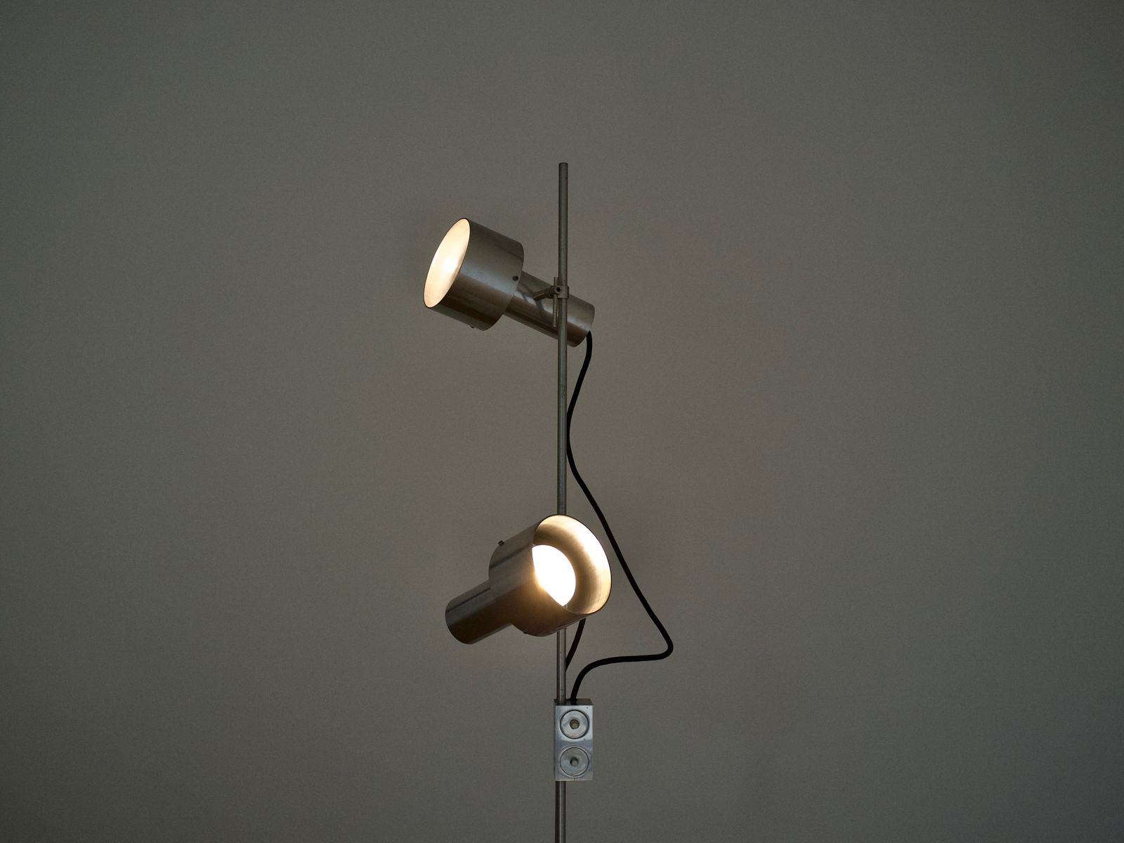 Aluminum spot floor lamp by peter nelson for architectural for Lights company
