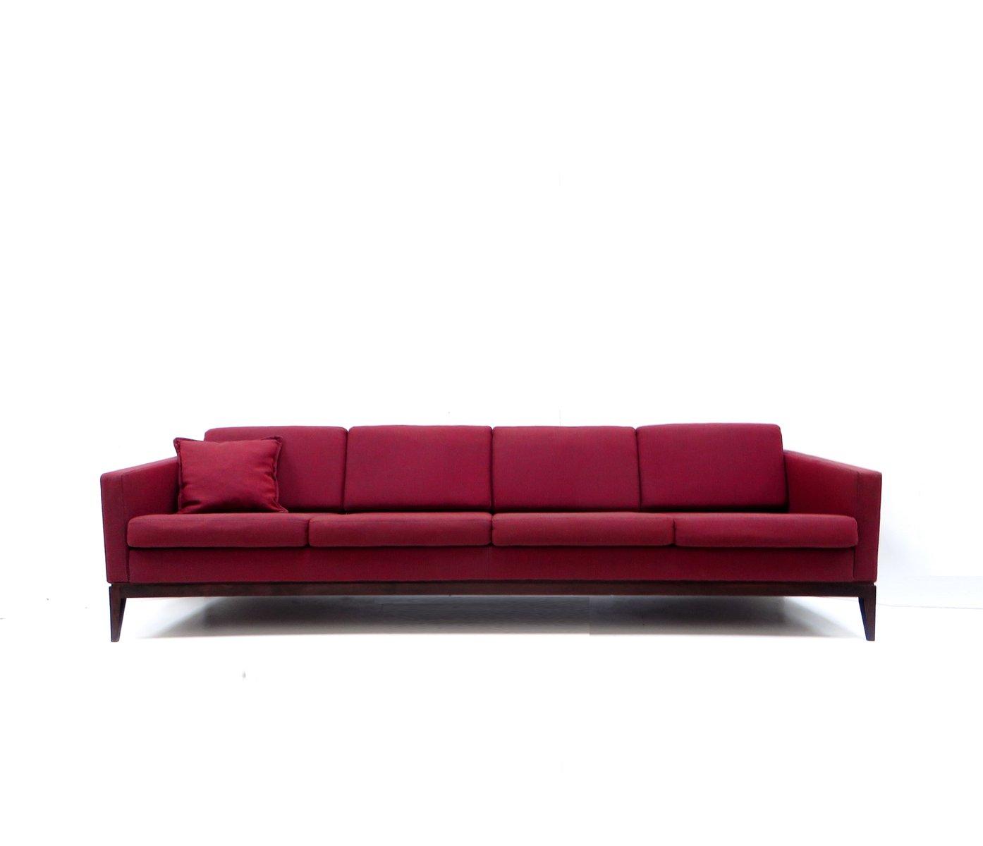 gro es vintage burgunderrotes vier sitzer sofa bei pamono. Black Bedroom Furniture Sets. Home Design Ideas