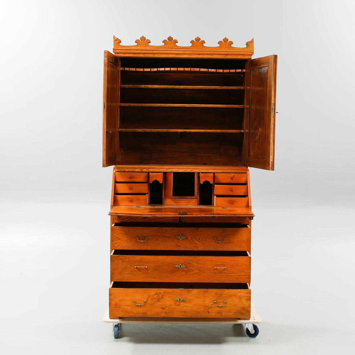 antiker d nischer sekret r mit kronen aufsatz bei pamono kaufen. Black Bedroom Furniture Sets. Home Design Ideas