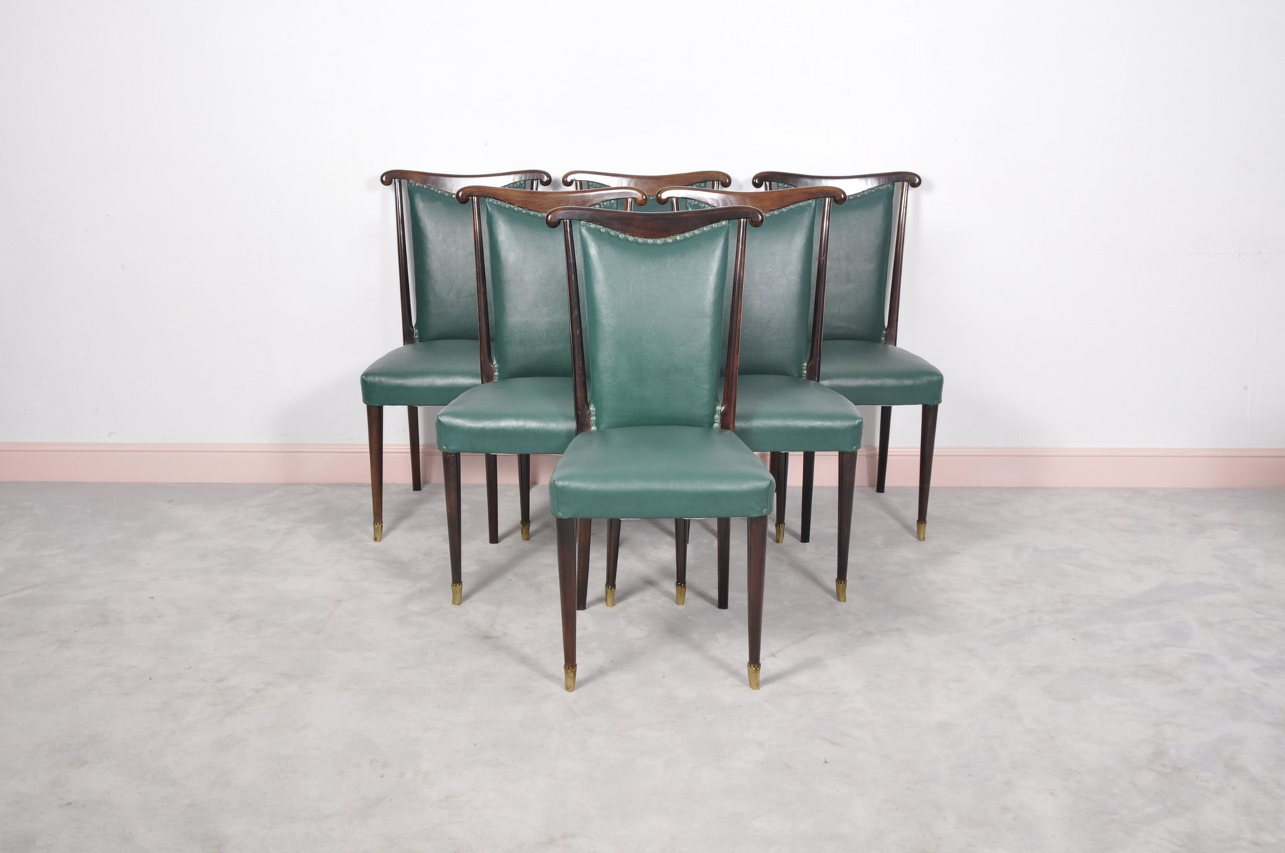Sedie da pranzo in pelle verde di paolo buffa italia set for Sedie in pelle