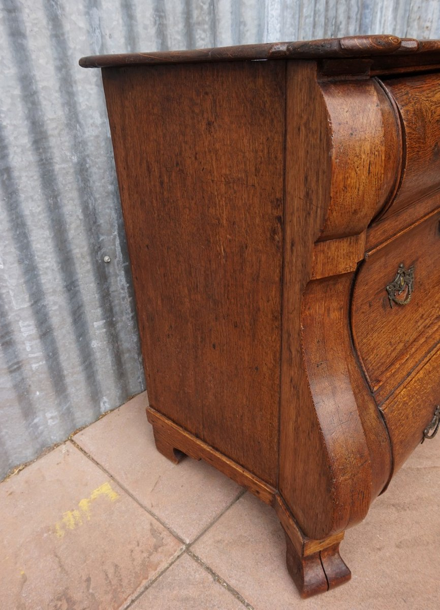 Antike barocke niederl ndische gew lbte kommode mit geheimfach bei pamono kaufen - Mobel mit geheimfach ...