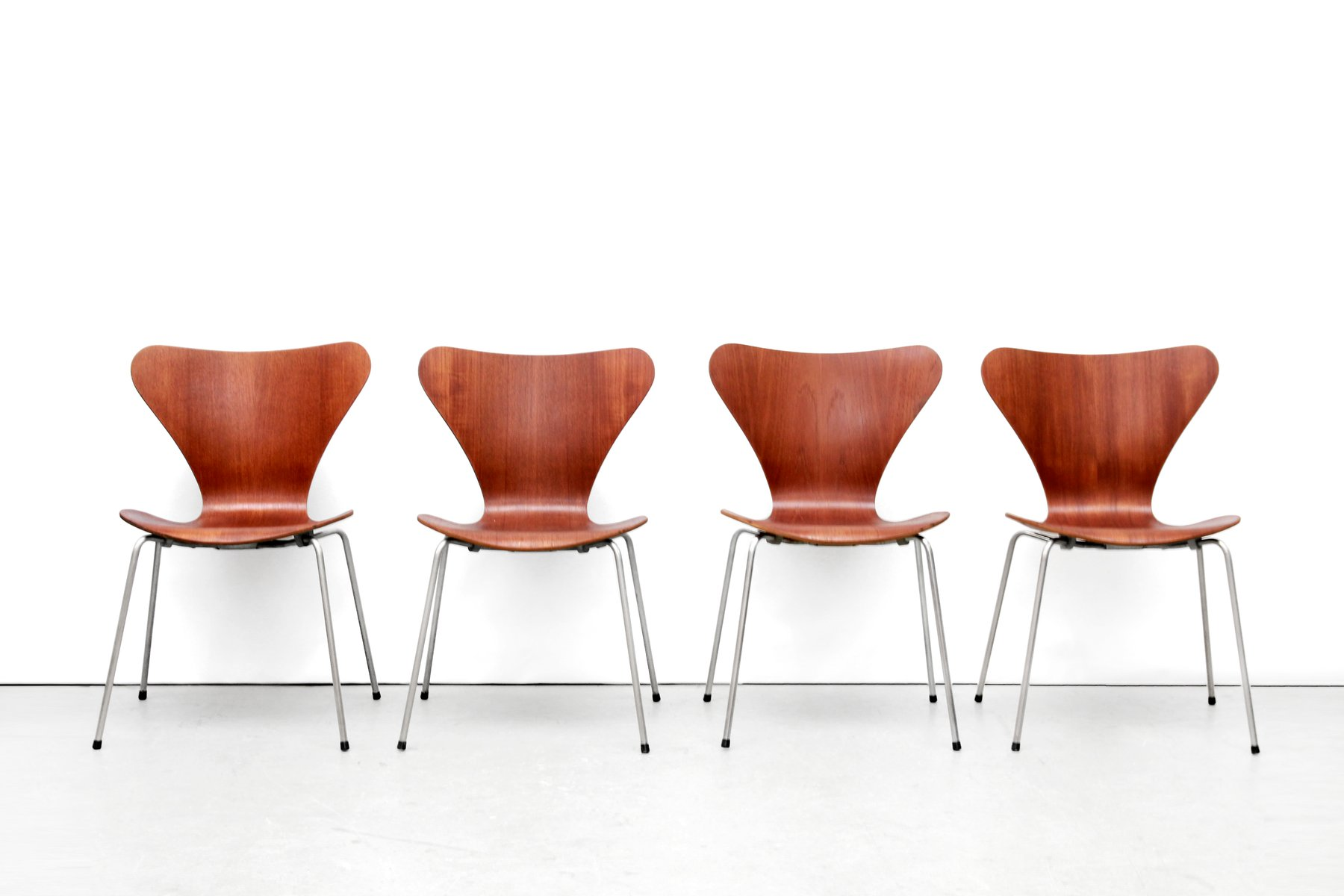 Danish FH3107 Butterfly Teak Plywood Chairs By Arne Jacobsen For Fritz  Hansen, 1950s, Set Of 4 For Sale At Pamono