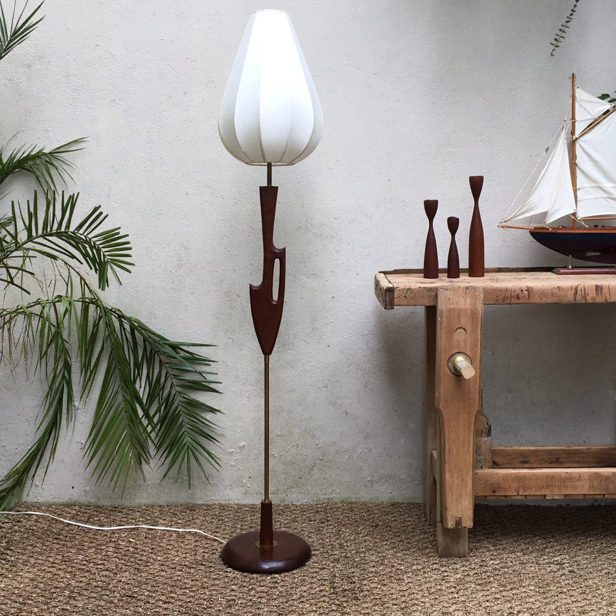 Vintage Scandinavian Free Form Floor Lamp, 1960s for sale at Pamono