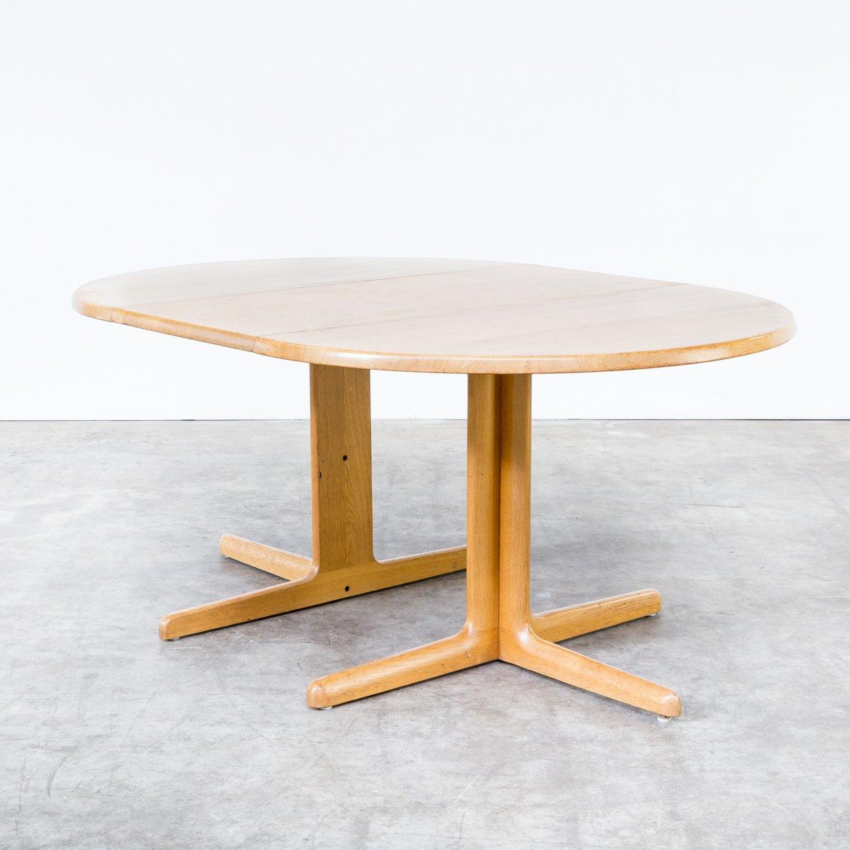 ausziehbarer esstisch aus massivem eichenholz von niels. Black Bedroom Furniture Sets. Home Design Ideas