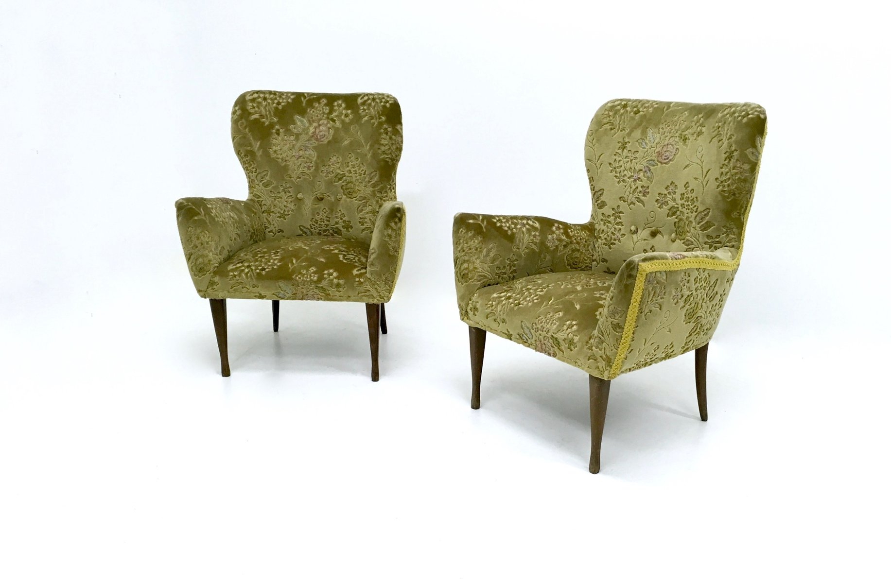 italienische gr ne vintage sessel aus samt 1950er 2er set bei pamono kaufen. Black Bedroom Furniture Sets. Home Design Ideas