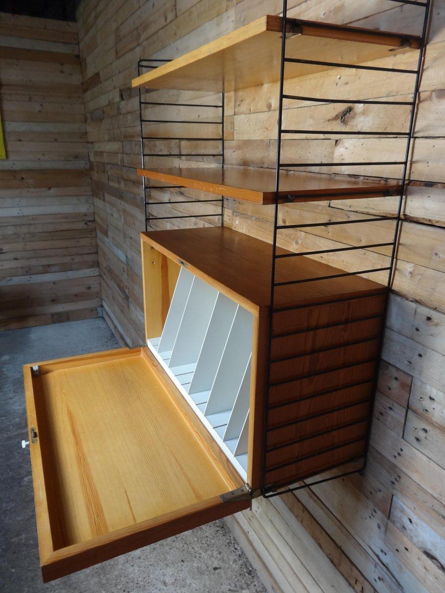 Unit di mensole da parete con porta vinili di nisse - Valigia porta vinili ...