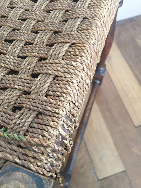 boh mer h lzerner vintage hocker mit sitz aus korbgeflecht bei pamono kaufen. Black Bedroom Furniture Sets. Home Design Ideas