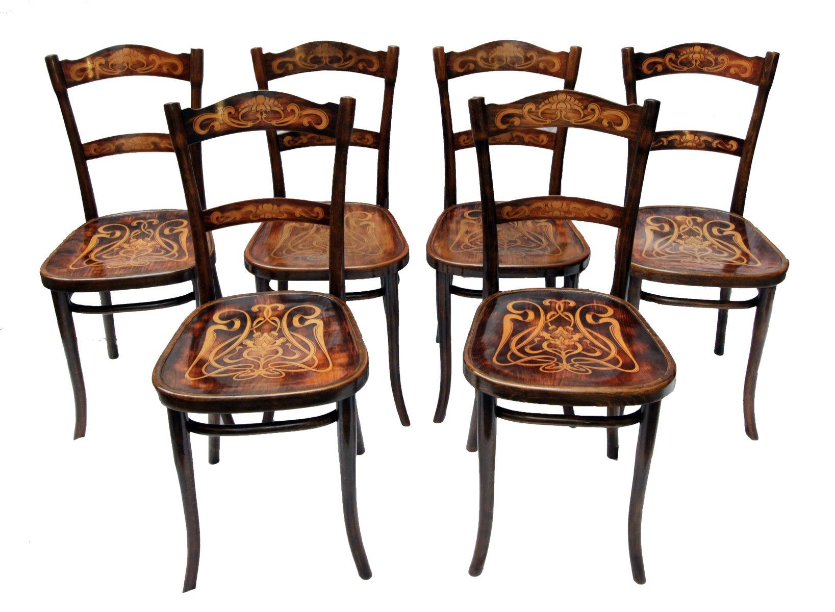 Sedie da pranzo antiche in legno decorato di thonet set for Sedie da pranzo design
