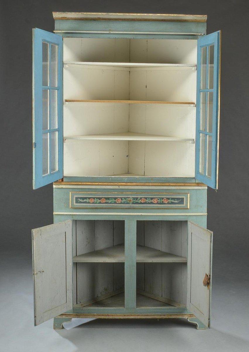 Credenza gustaviana ad angolo con vetrina in vendita su Pamono