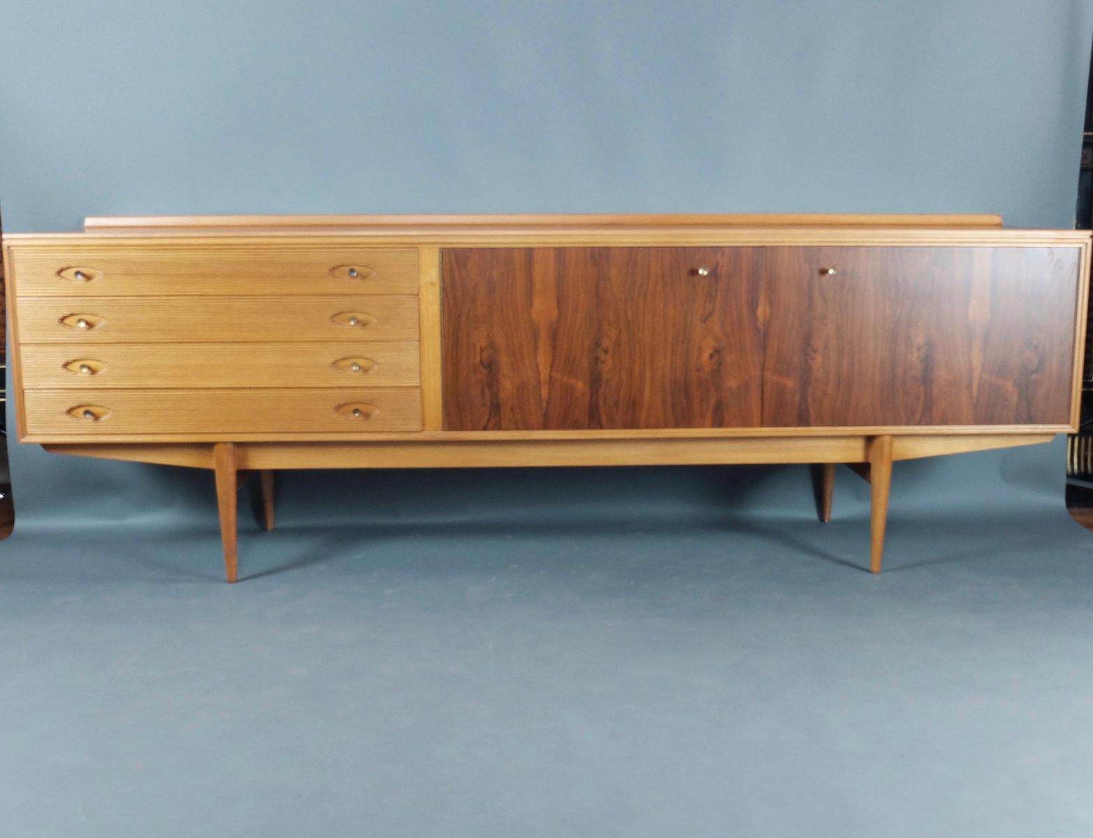 Nice Mid Century Rosewood And Teak Hamilton Sideboard By Robert Heritage For  Archie Shine, 1950s