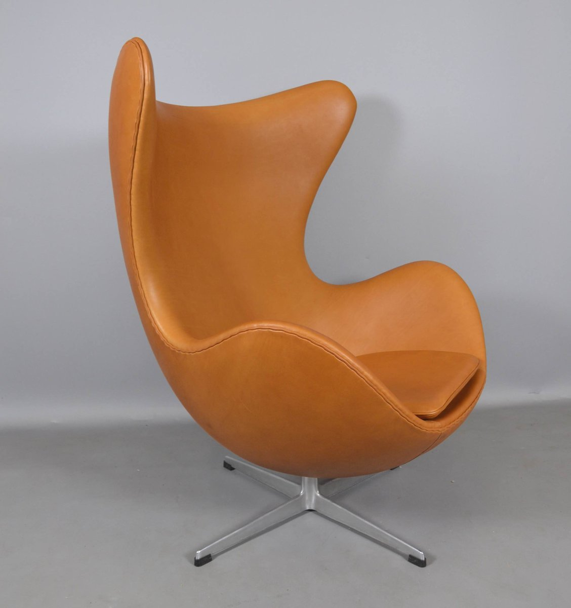 Leather Egg Chair By Arne Jacobsen For Fritz Hansen 1970s