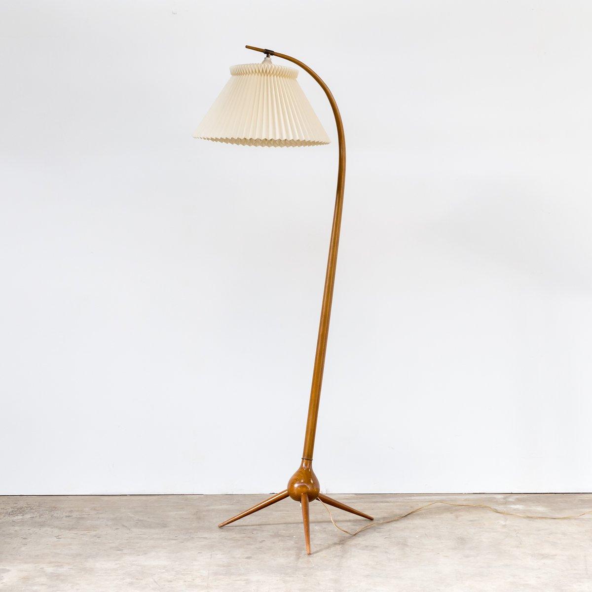 lampadaire mod le bridge vintage avec un pied trois branches par severin hansen jr pour. Black Bedroom Furniture Sets. Home Design Ideas