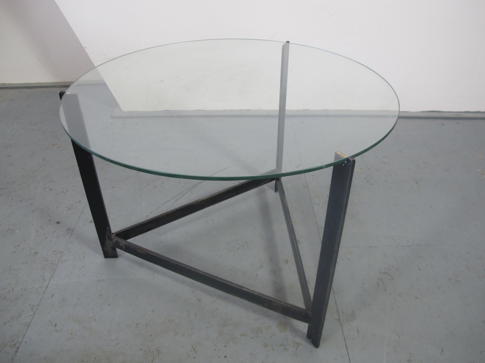table d 39 appoint en acier verre et rotin 1960s en vente. Black Bedroom Furniture Sets. Home Design Ideas