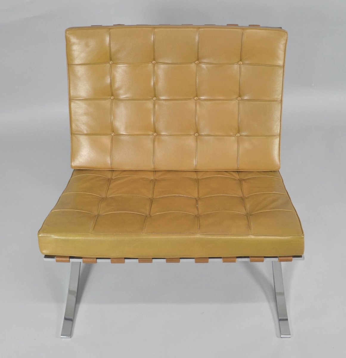vintage barcelona chair with ottoman by ludwig mies van der rohe for knoll international for. Black Bedroom Furniture Sets. Home Design Ideas