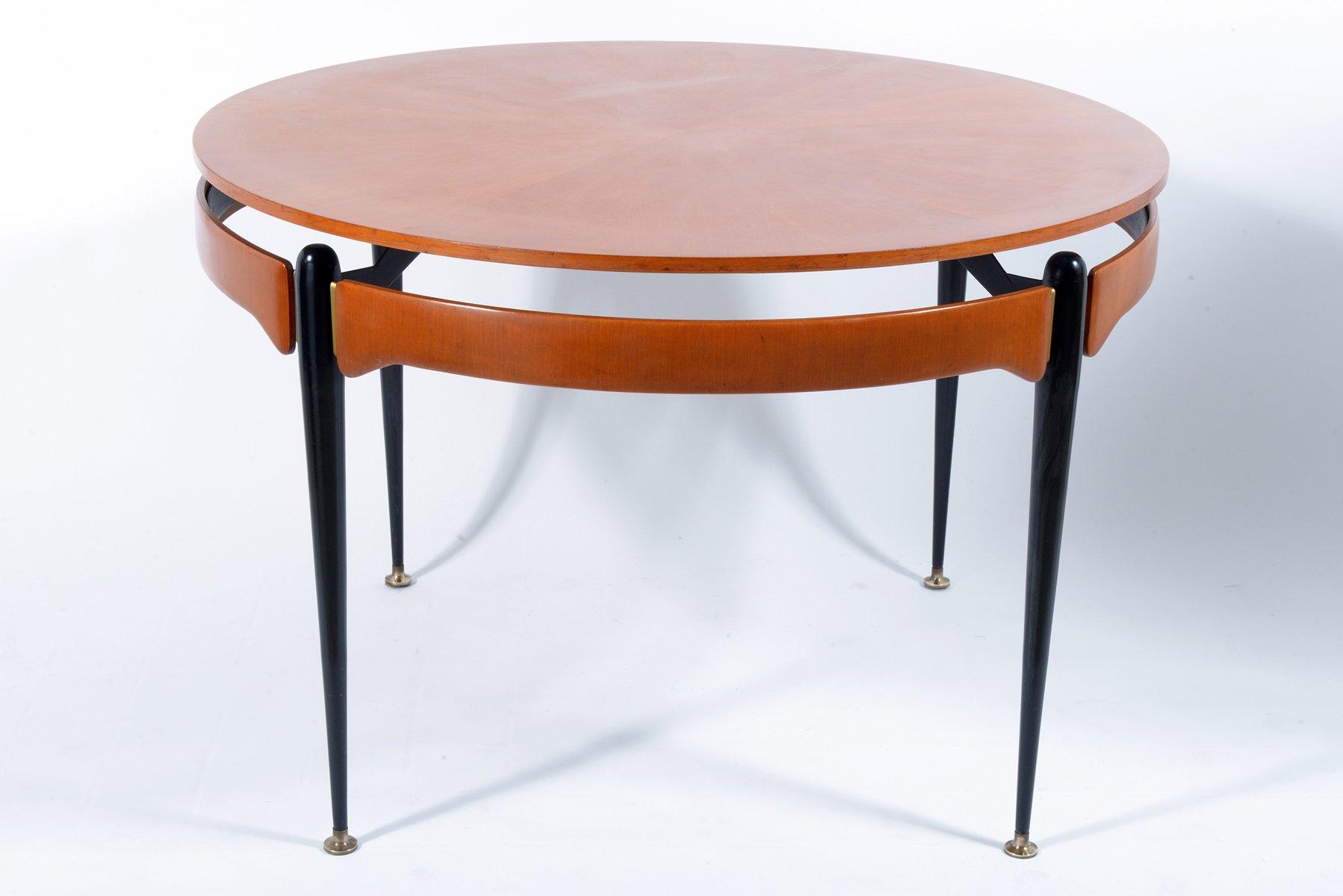 runder tisch aus nussbaum und schwarzem metall 1960er bei pamono kaufen. Black Bedroom Furniture Sets. Home Design Ideas