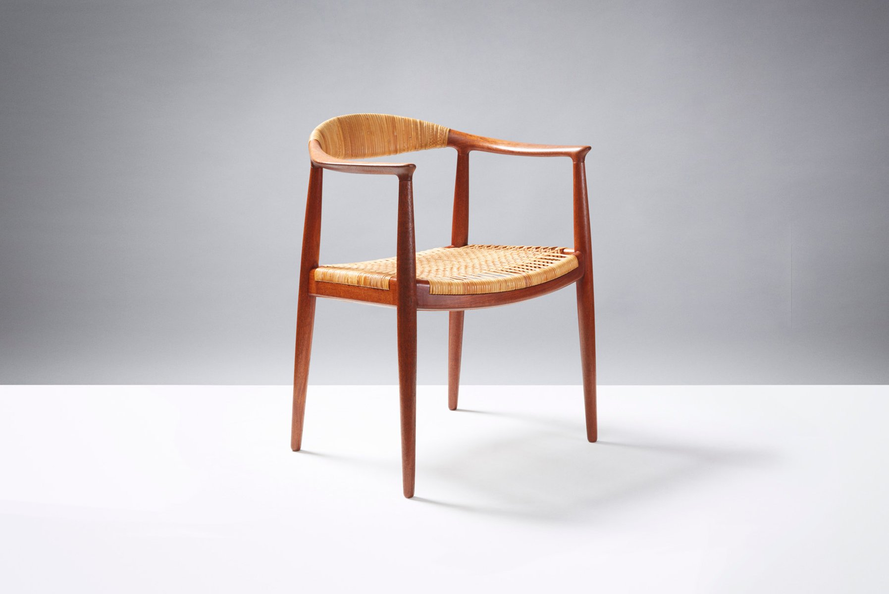 model jh 501 the chair desk chair by hans j wegner for. Black Bedroom Furniture Sets. Home Design Ideas