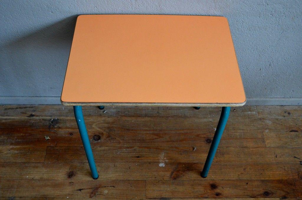 orangefarbener formica schul tisch und stuhl 1960er bei. Black Bedroom Furniture Sets. Home Design Ideas