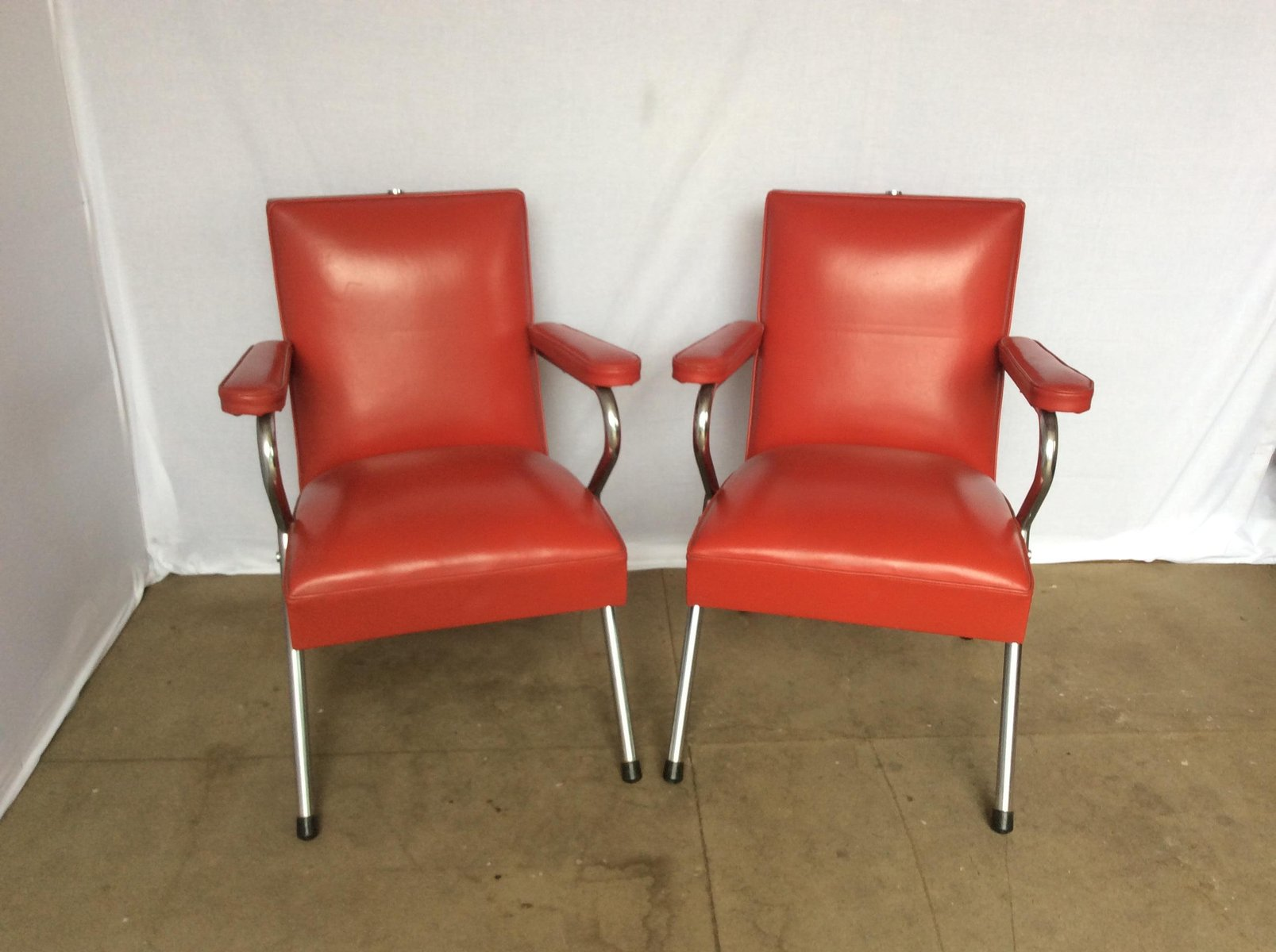 Chrome and red vinyl salon chairs 1960s set of 2 for for Red chair design jackson wy