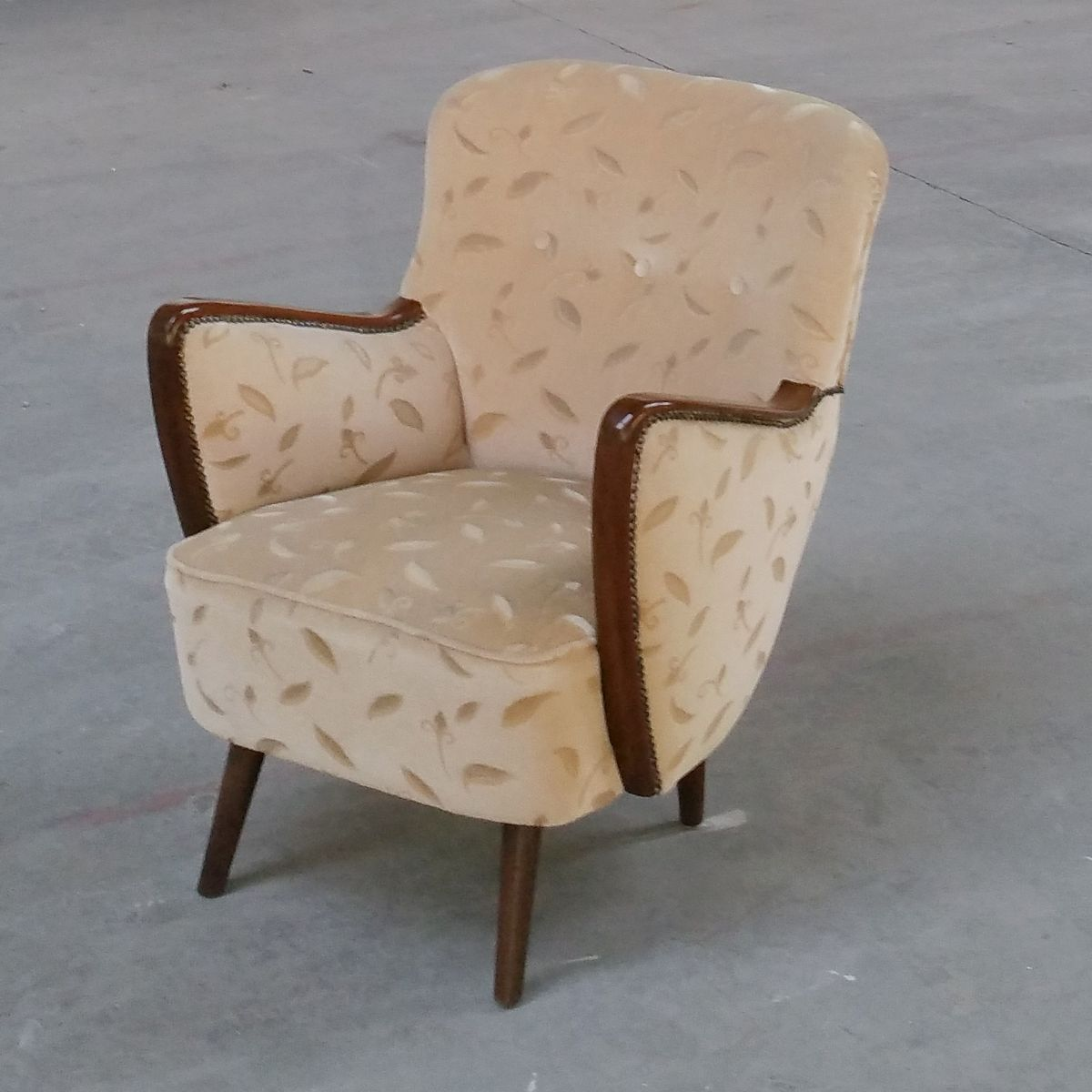 wood and velvet cocktail chair 1950s for sale at pamono. Black Bedroom Furniture Sets. Home Design Ideas