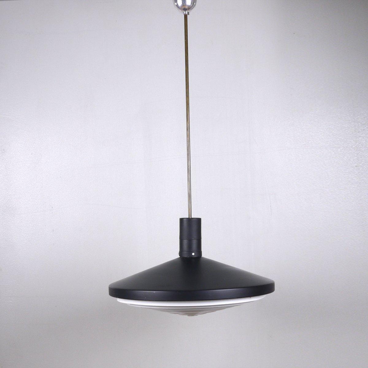 scheibenf rmige industrielle mid century metall h ngelampe in schwarz und wei bei pamono kaufen. Black Bedroom Furniture Sets. Home Design Ideas