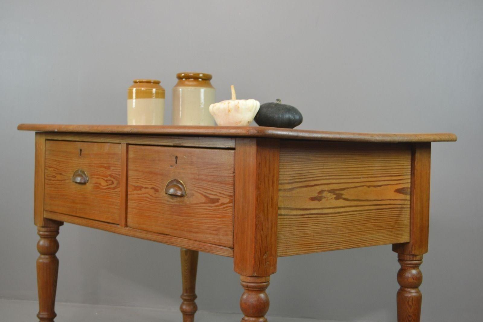 Tavolo rustico antico da cucina in pino in vendita su Pamono