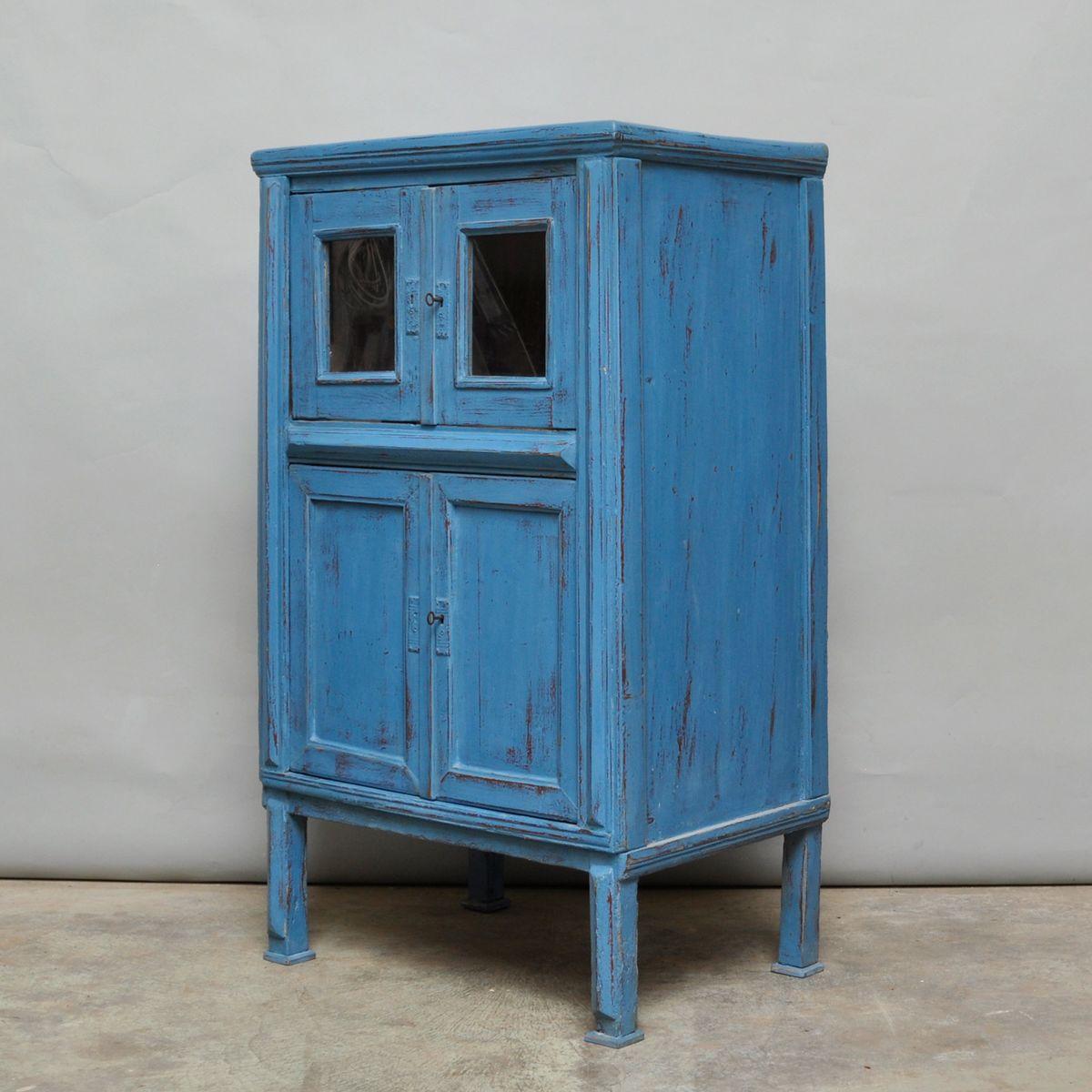 kleiner ungarischer vintage schrank aus kiefernholz. Black Bedroom Furniture Sets. Home Design Ideas