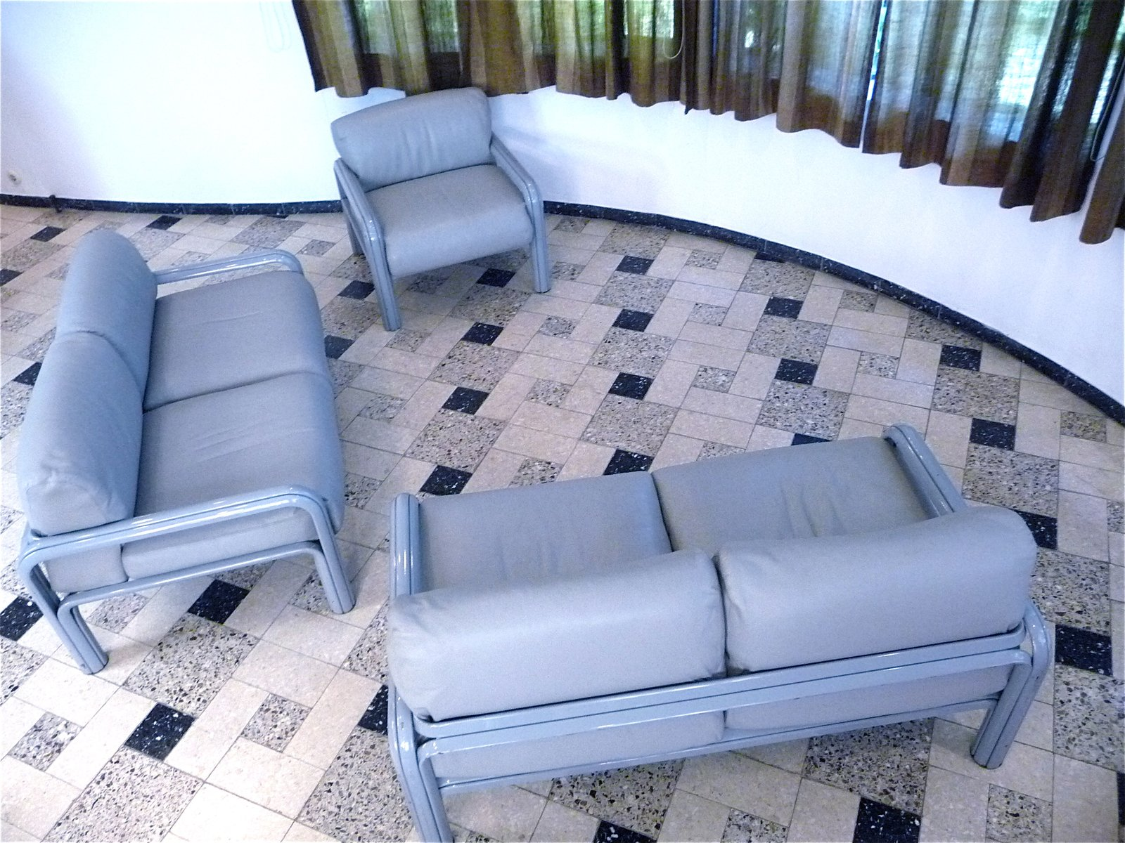 Launge Chaise Chair In Living Room