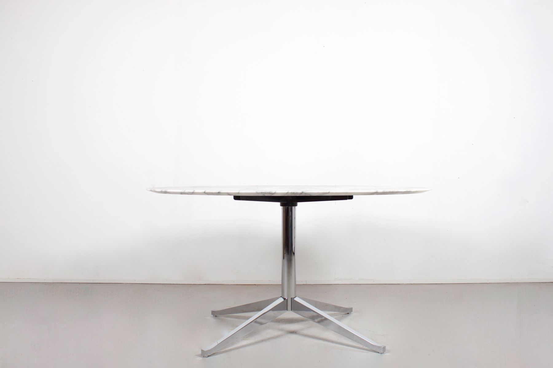 Vintage Round Marble Dining Table By Florence Knoll For International At Pamono