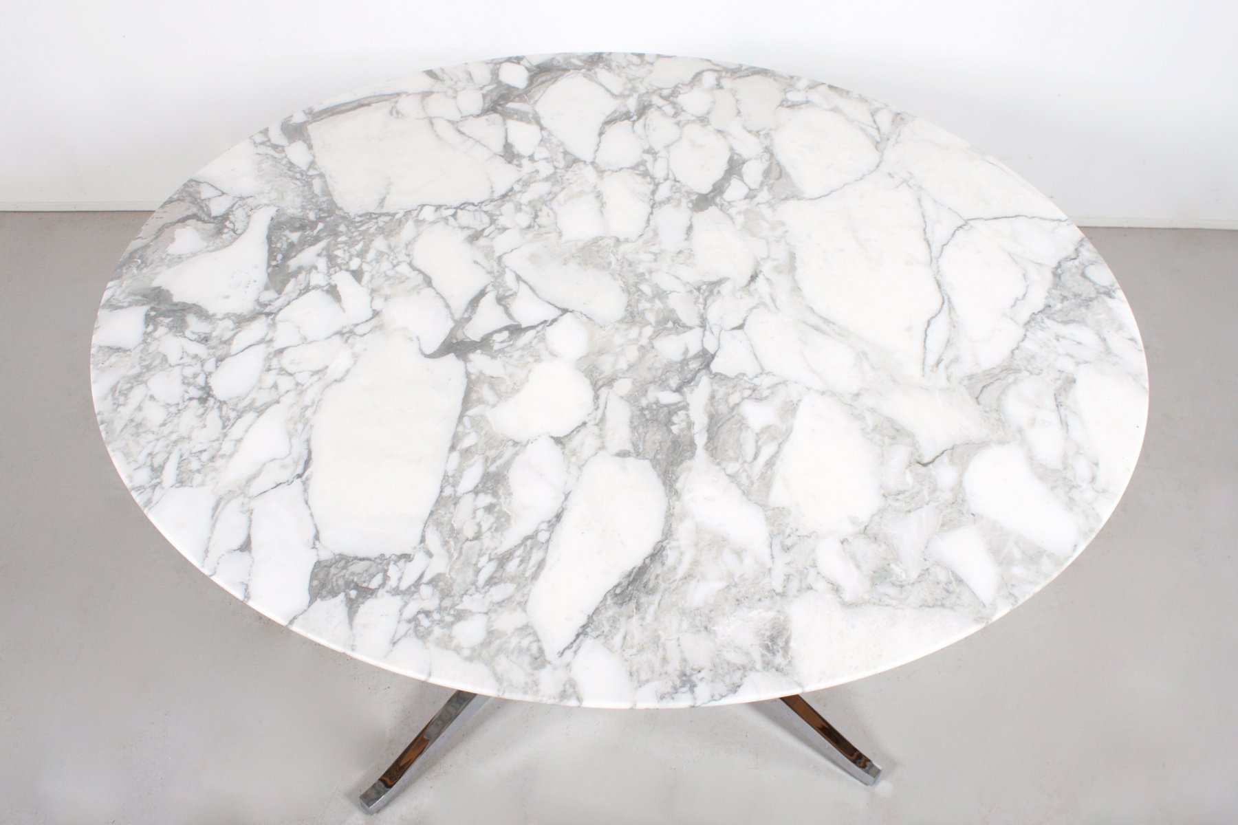 Vintage Round Marble Dining Table By Florence Knoll For Knoll International