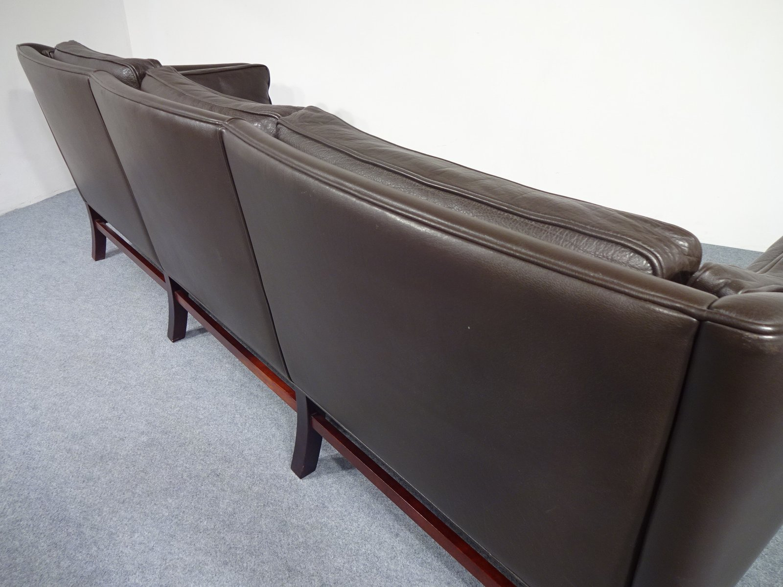 d nisches vintage ledersofa von georg thams f r vejen polsterm belfabrik 1970er bei pamono kaufen. Black Bedroom Furniture Sets. Home Design Ideas
