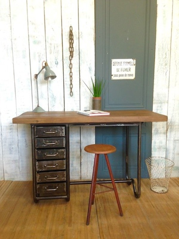 industrielle werkbank aus metallrohr kiefernholz bei. Black Bedroom Furniture Sets. Home Design Ideas