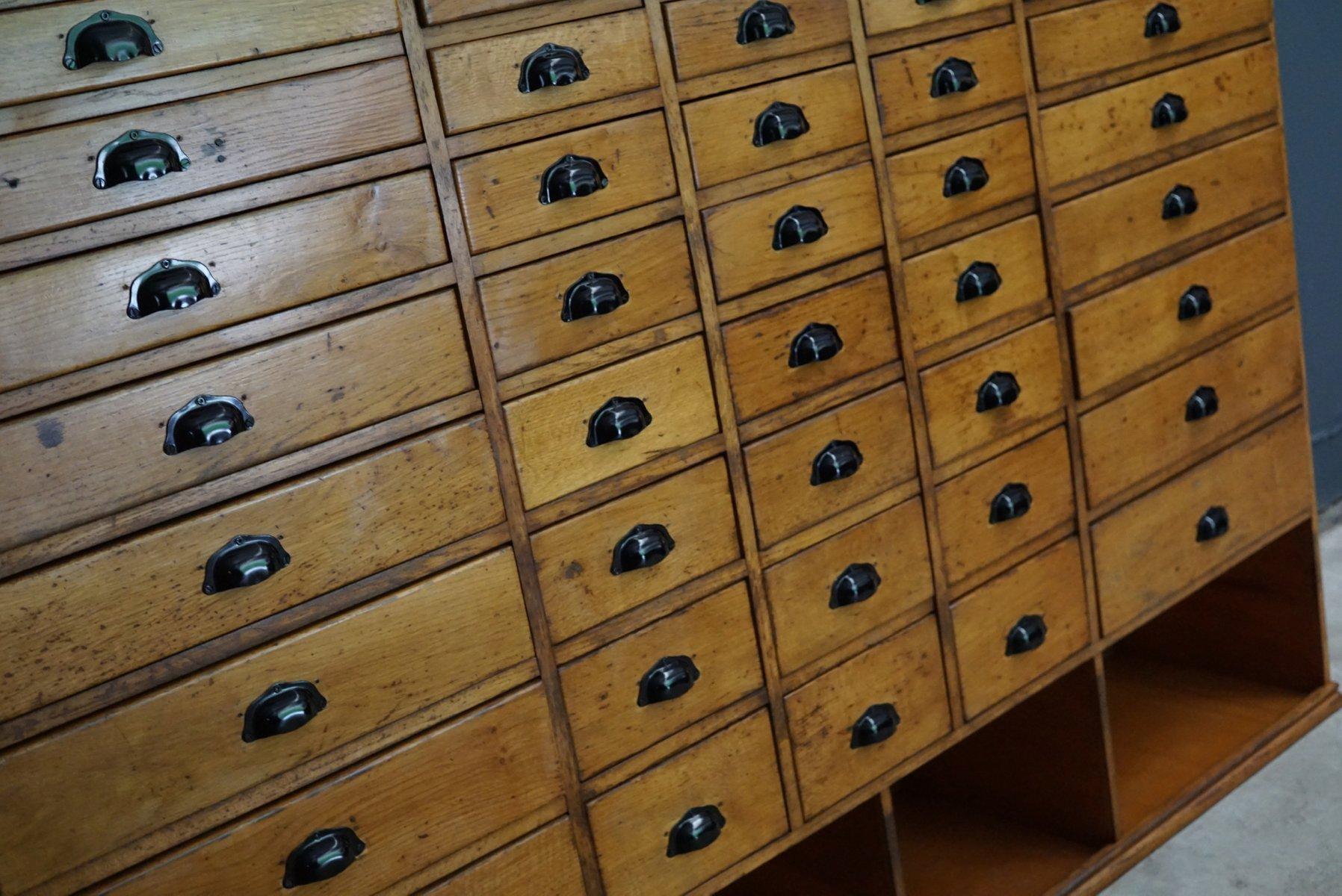grande armoire pharmacie en h tre 1950s en vente sur pamono. Black Bedroom Furniture Sets. Home Design Ideas