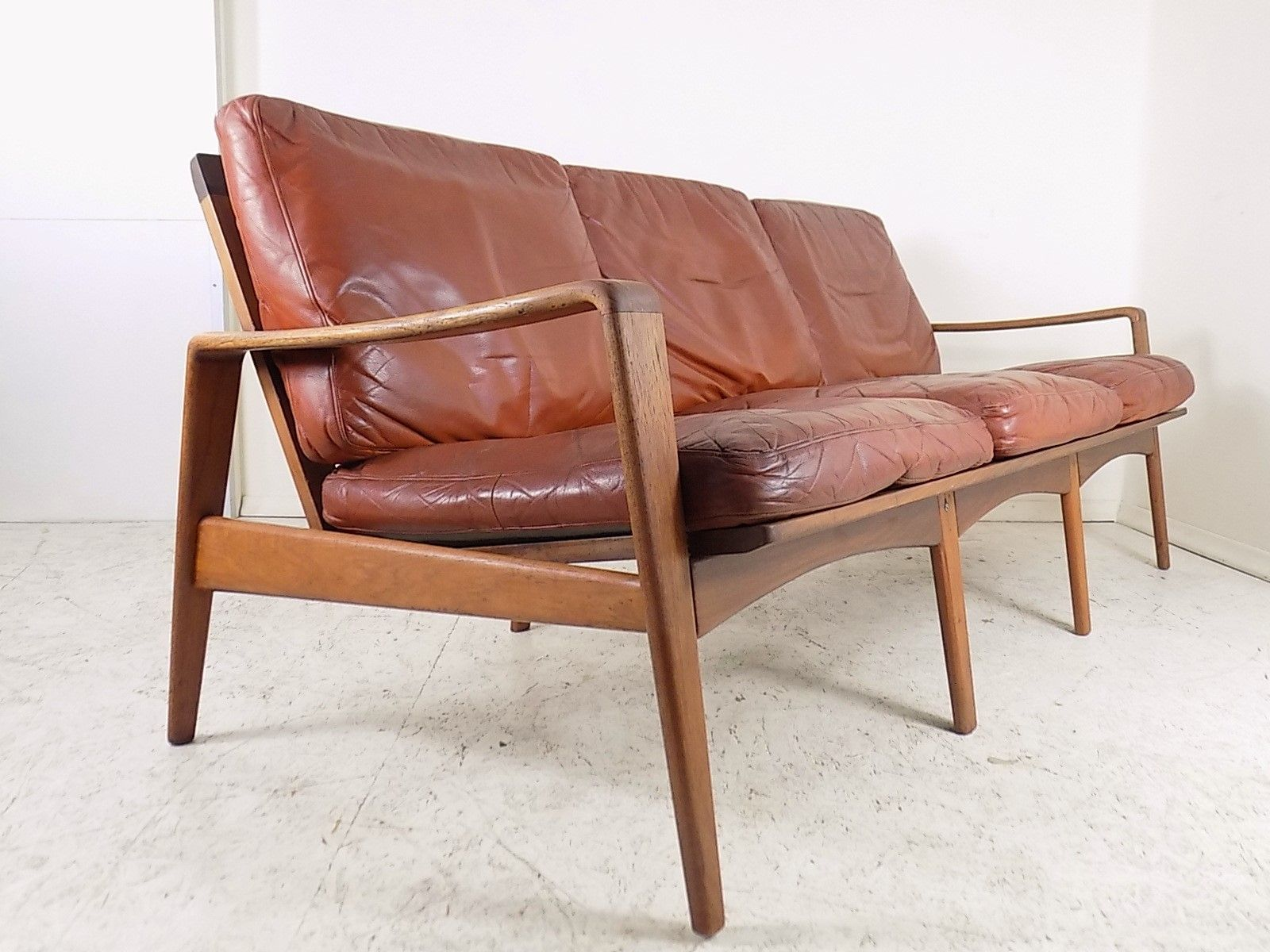 brown leather teak sofa by arne wahl iversen for komfort 1960s for sale at pamono. Black Bedroom Furniture Sets. Home Design Ideas