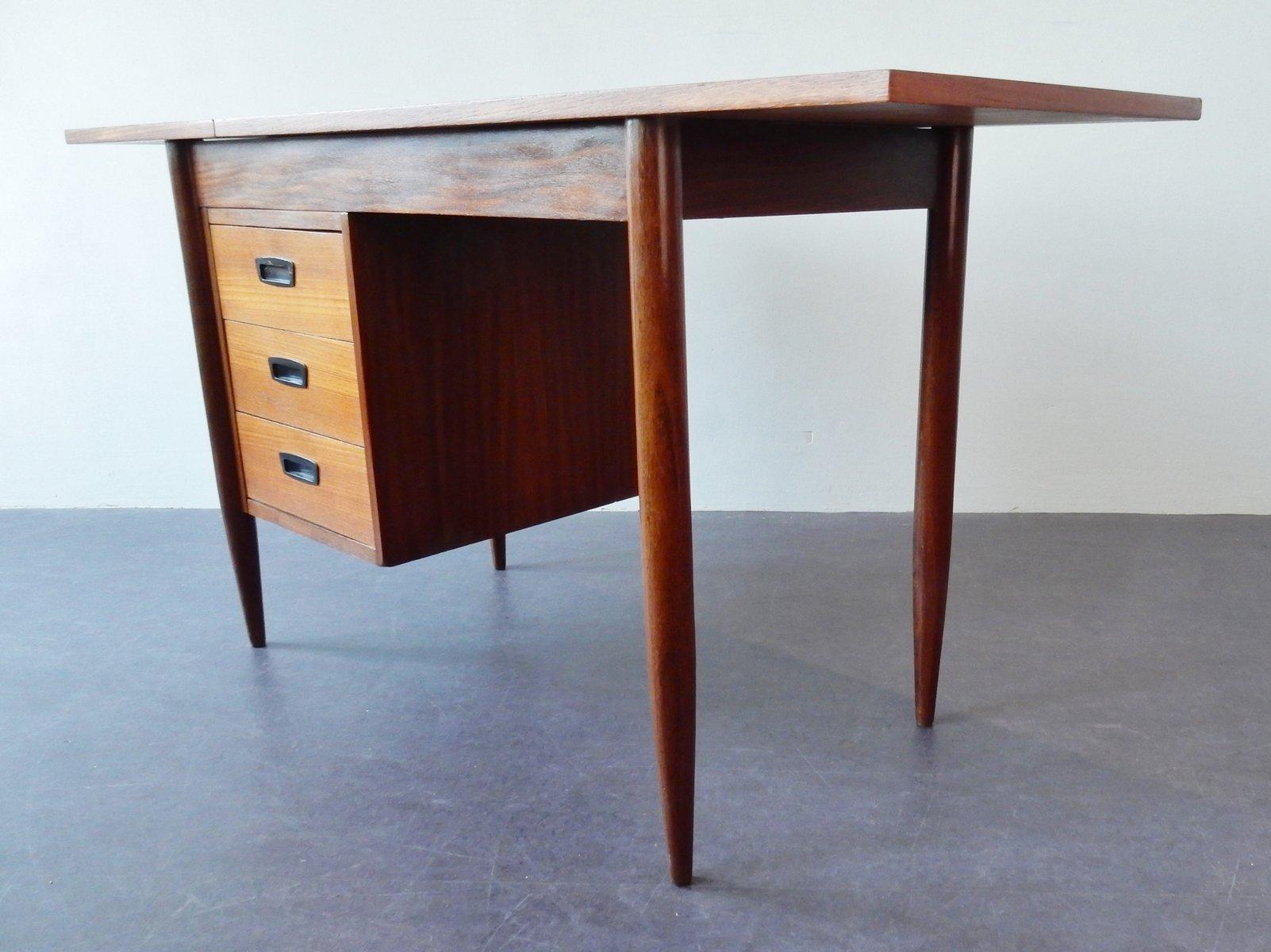 kleiner teak furnier schreibtisch 1960er bei pamono kaufen. Black Bedroom Furniture Sets. Home Design Ideas
