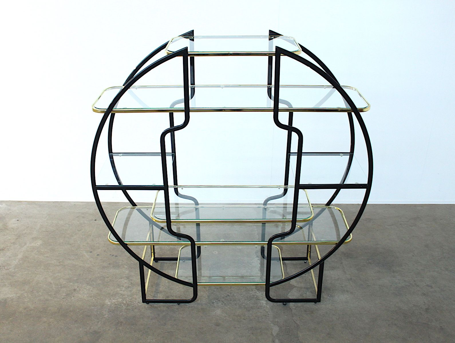 gro es rundes hollywood regency regal aus schwarzem metall. Black Bedroom Furniture Sets. Home Design Ideas