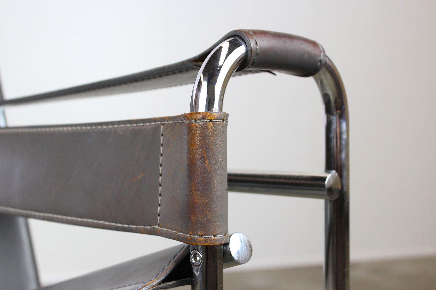 graue leder wassily armlehnst hle von marcel breuer. Black Bedroom Furniture Sets. Home Design Ideas