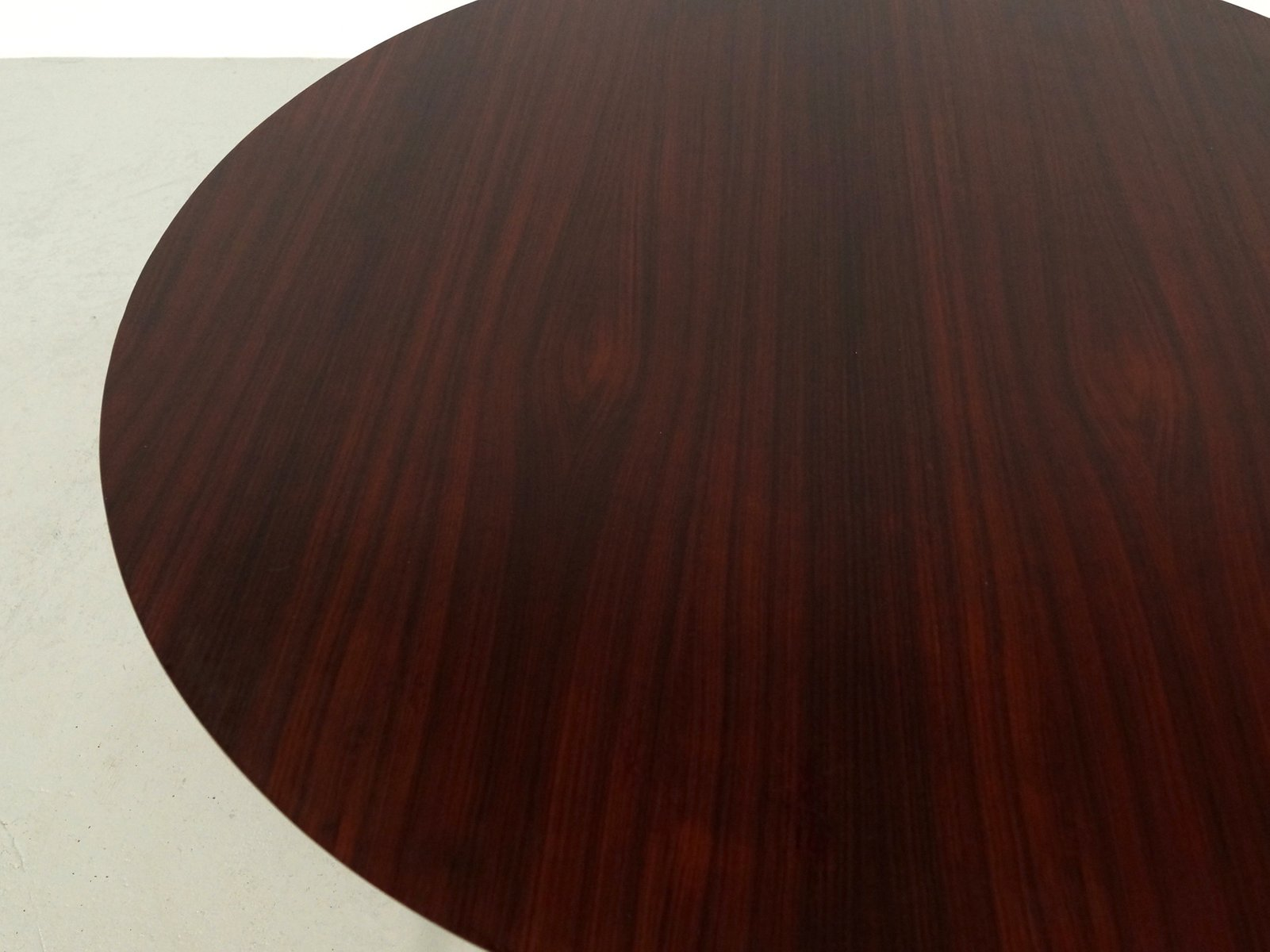 round italian rio rosewood dining table 1960s for sale at. Black Bedroom Furniture Sets. Home Design Ideas
