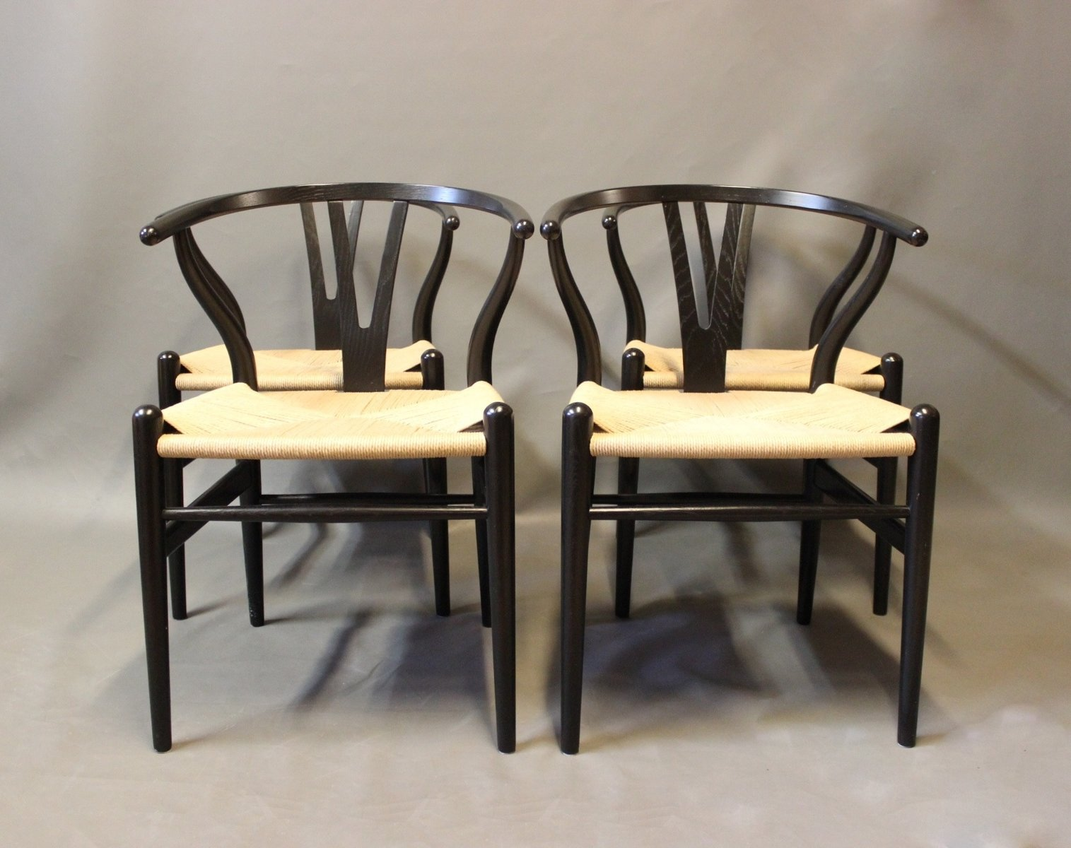 vintage modell ch24 y st hle von hans j wegner f r carl hansen son 4er set bei pamono kaufen. Black Bedroom Furniture Sets. Home Design Ideas