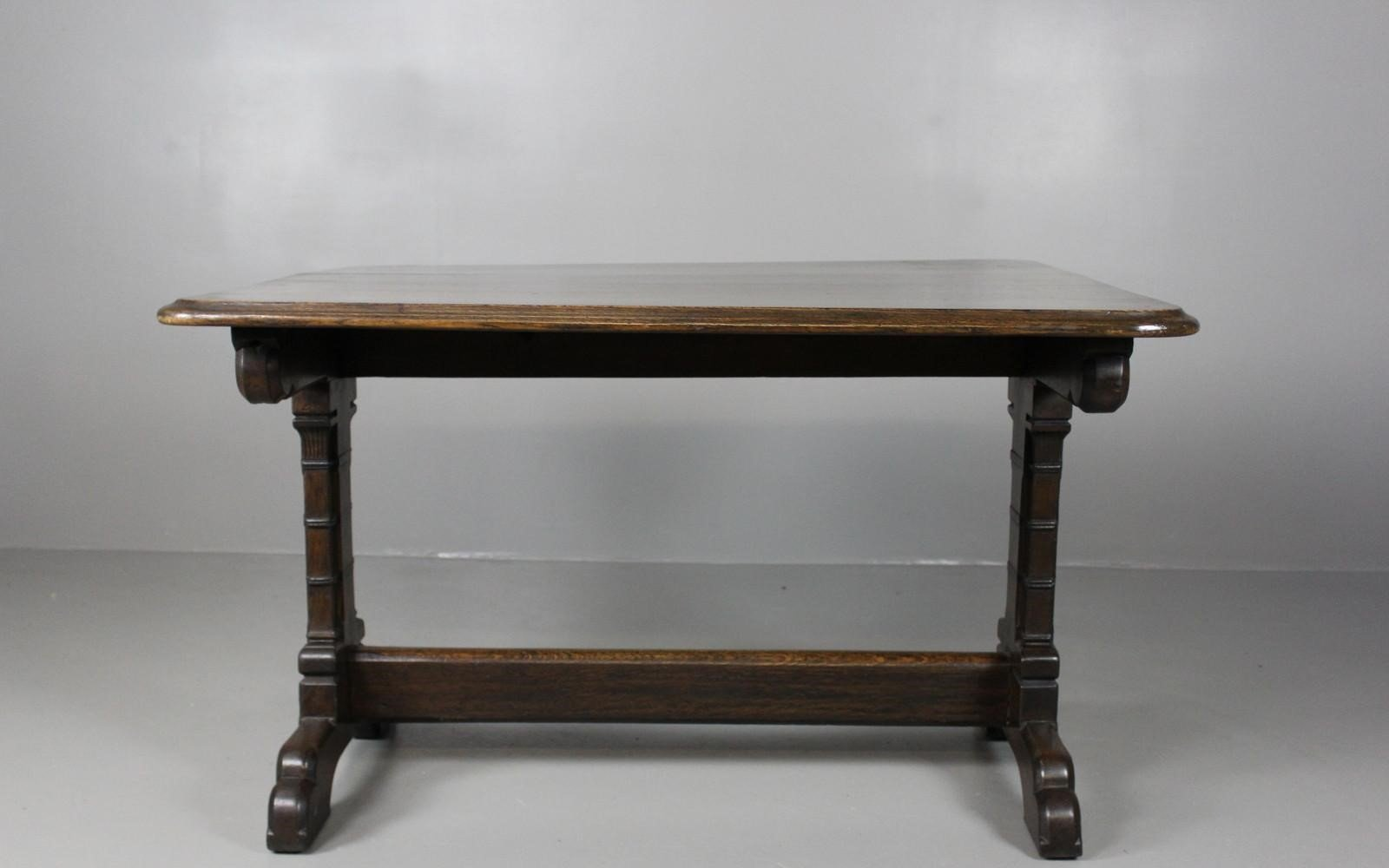 Victorian GothicStyle Oak Dining Table for sale at Pamono