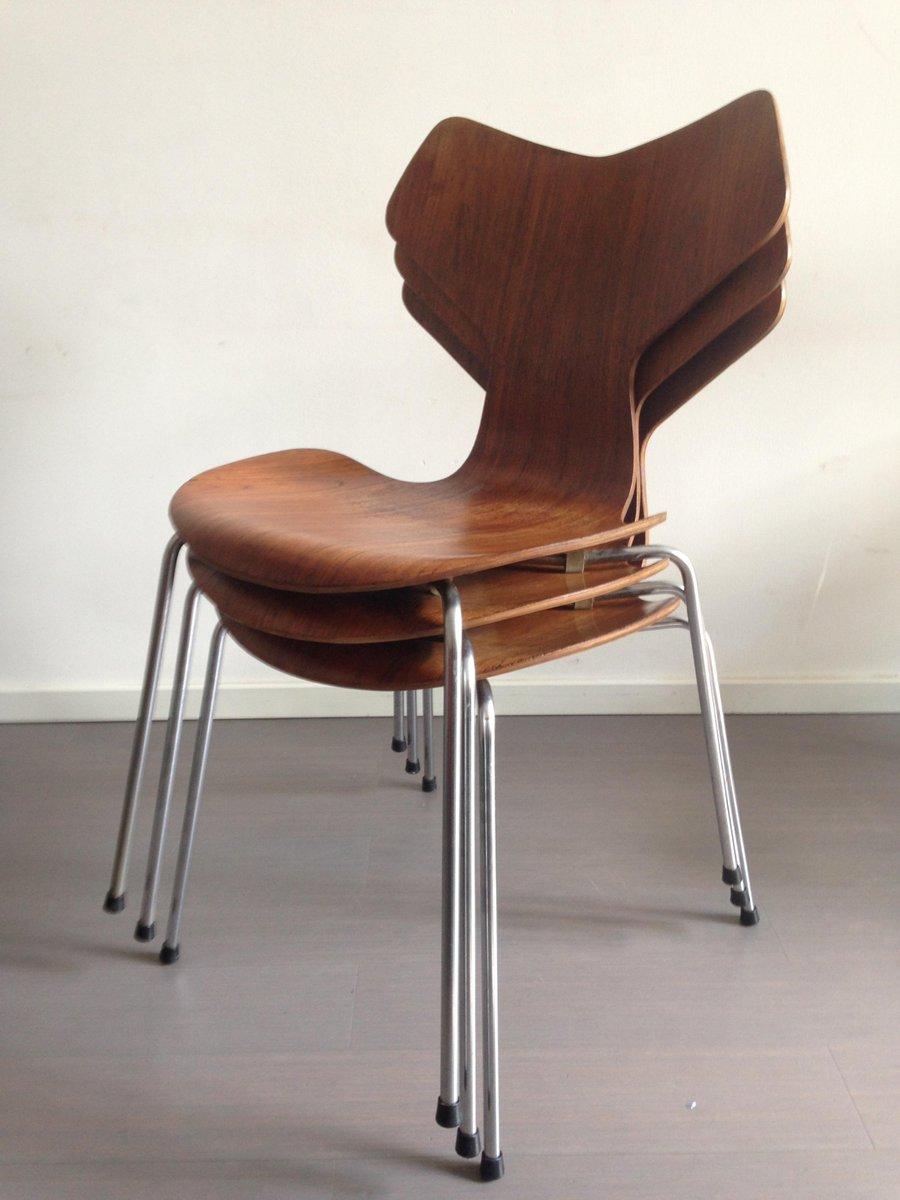modell 3130 grand prix st hle aus teak von arne jacobsen f r fritz hansen 1967 3er set bei. Black Bedroom Furniture Sets. Home Design Ideas