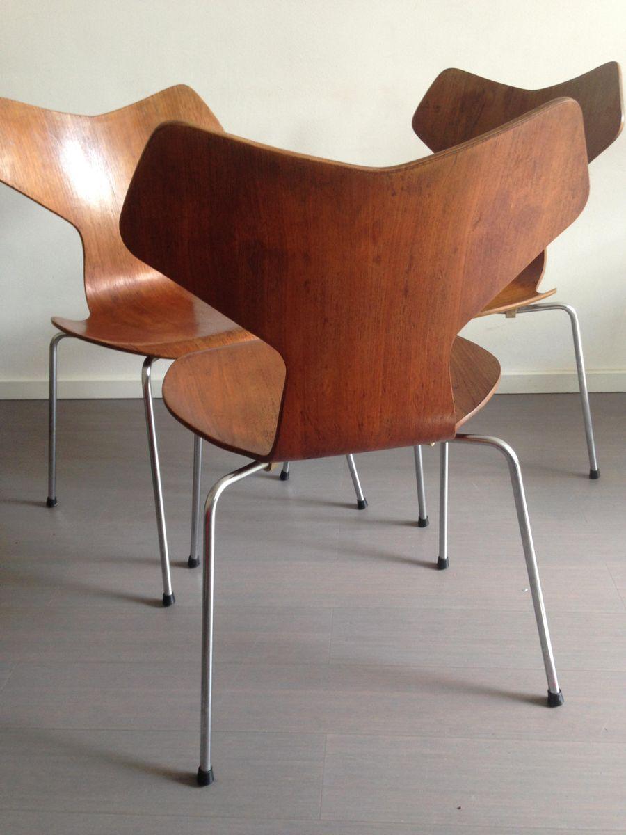 Jacobsen Stühle modell 3130 grand prix stühle aus teak arne jacobsen für fritz hansen 1967 3er set bei